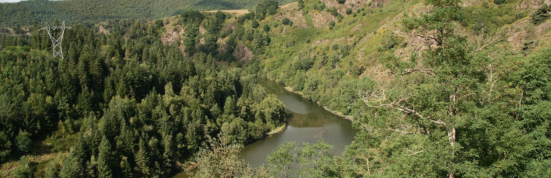 Rivière barrage Truyère eau vallée Grandval