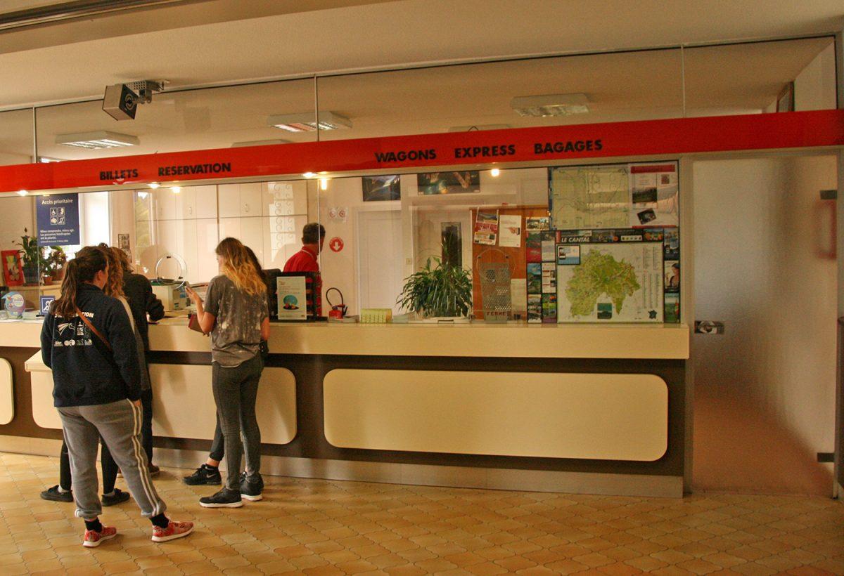 Intérieur de la gare de Saint-Flour