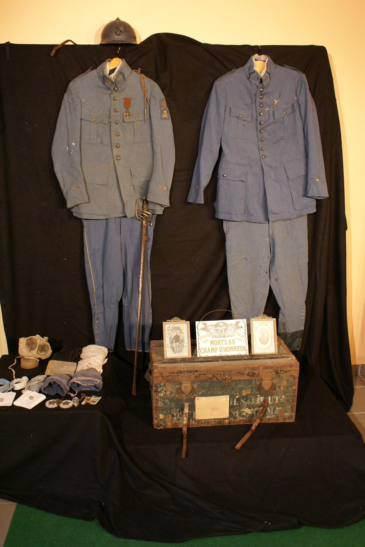 Objets vêtements Exposition Grande Guerre Pays de Pierrefort-Neuvéglise
