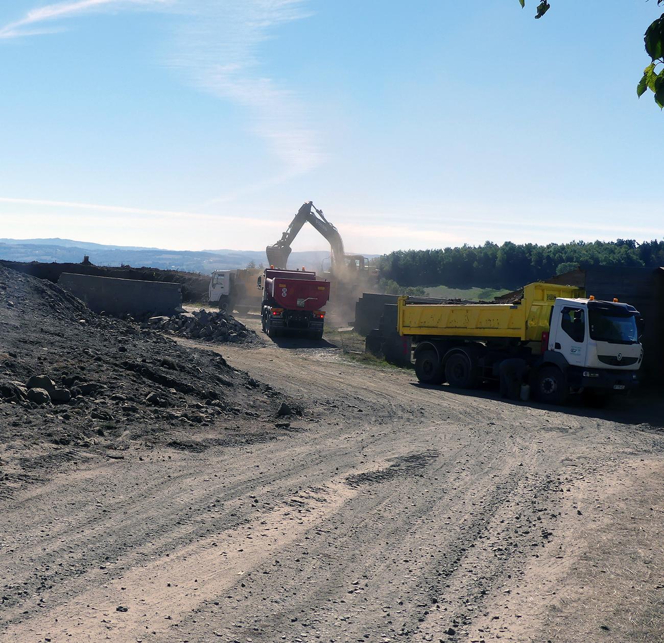 coop Neuvéglise, les travaux de terrassement ont débuté en septembre